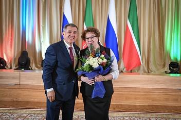 Проректор КИУ Дания Ахметова удостоена звания Заслуженного работника высшей школы РФ